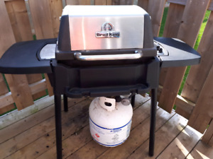 Broil King BBQ $ 100.00 Purse 5.00 cooler $ 10.00