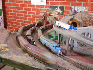 MODEL TRAIN HO SCALE TRAINS AND LAYOUT