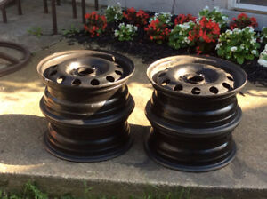 4 FORD OEM Steel Rims (Brand New Condition)