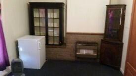 Farnworth/ Little Hulton Border Large Furnished room Rent includes all house bills