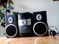 Philips Microsystem: CD and radio very good condition with remote