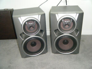 Speakers and stereo unit.