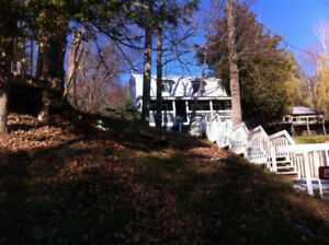 4 Season cottage and Boat Trailer  lac Heney Lake in Gracefield,