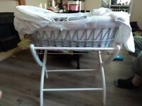 izzywotnot moses basket and stand