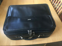 Briefcase, can be wheeled, computerbag, leather