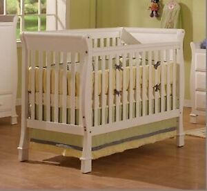 Solid wood 4 in 1 crib