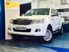Toyota Hi Lux Invincible 4X4 D-4D DCB DIESEL FULL TOYOTA SERVICE HISTORY 1 OWNER