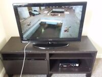 "TV Technicka & TV Table, HD 1080, 32"" screen, Very good condition + TV Table"