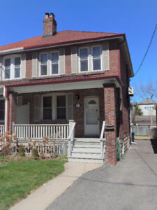 One Bedroom Basement Apartment - Lawrence and Avenue