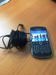 BB9900 excellent condition cheap unlock works with all carrier