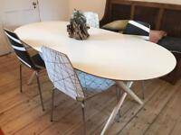 Lovely Dining Table & Chairs