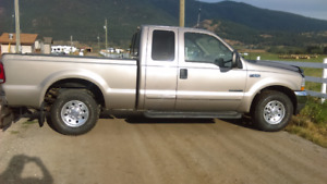 2002 Ford F-350 XLT super duty 4 door Pickup Truck
