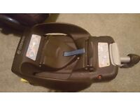 Maxi cosi isofix bases and car seat