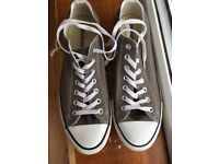 Men's Converse All Stars size 10