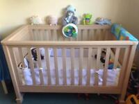 Mamas and Papas Horizons Cot Bed