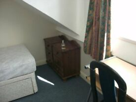 3single attic rooms furnished £60 pw inc all bills drewry lane on uni bus route