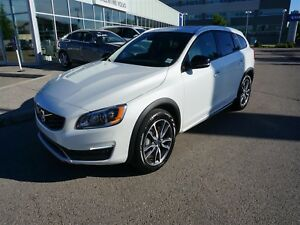 2017 Volvo V60CC with 160,000km warranty!