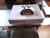 Xbox One White 500gb one controller