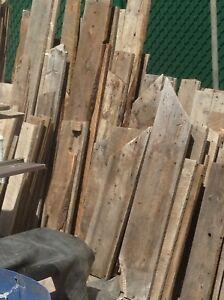 Planche de bois grange
