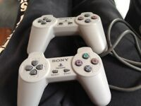 PlayStation 1 controllers x2
