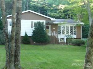 House for sale 152 Howe Ave