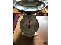Retro Kitchen scales, cream and chrome