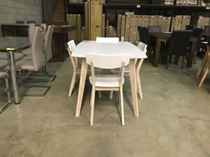******Blow Out Pricing********  Wood Table with 4 chairs