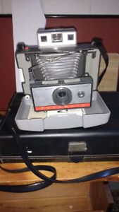 Polaroid land camera automatic 220 year 1960