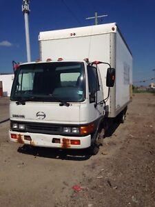 2004 Hino Truck
