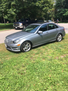 2013 Mercedes-Benz C-Class Sedan - extremely low km's