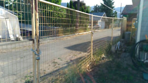 120 ft of Construction Fencing