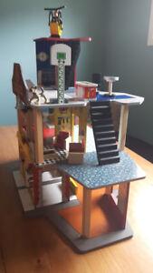 Gently used- KidKraft Fire Station