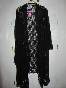 BRAND NEW WITH TAGS...WMS. SIZE 4X/5X LACY COVER UP