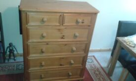 SOLID PINE CHEST OF DRAWERS 4+2 £25