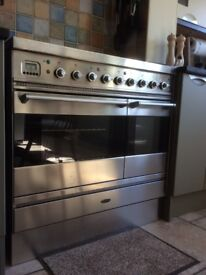 BRITANNIA RANGE COOKER 900 mm wide ceramic hotplate, plinth and cooker hood all in stainless steel