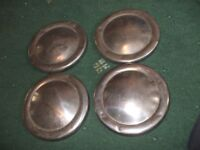 "8 HUBCAPS FOR 10"" MINI WHEELS. LOT 2"