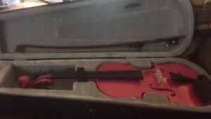 1/2 size pink violin new condition new bow and case