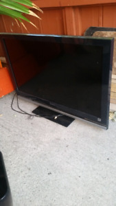 """42"""" tv screen is cracked"""