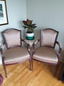 2 fauteuils de type Louis XVI