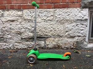 Mini-micro scooter in green