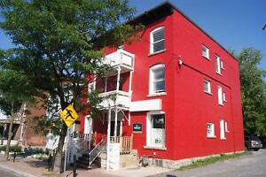 *Great 2 Bed in Little Italy Available Now!