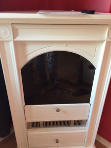 Beautiful White Chelsea Dimplex Electric Fireplace and Remote