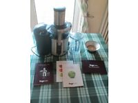 Heston Blumenthal Nutri Juicer Plus with free book