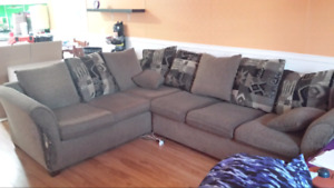 Huge comfy sectional couch!!