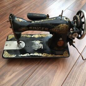 Antique singer sewing machine circa 1924-36