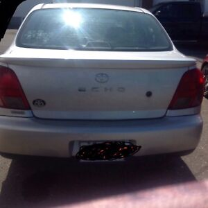 Toyota echo. 2001