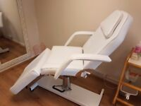 White massage couch/chair