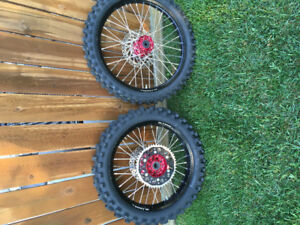 DNA wheels with Dunlop tires