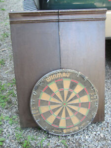 Dart Board, 2 sets Darts and Wood Case