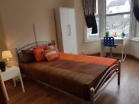 SALE: 50% ADMIN FEES! Newly refurbished large single with queen bed